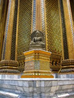 Buddhist statue, Grand Palace, Bangkok, Thailand - พระบรมมหาราชวัง, กรุงเทพฯ, ราชอาณาจักรไทย
