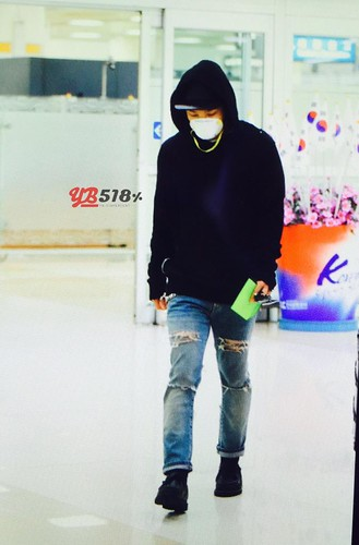 Big Bang - Gimpo Airport - 07jun2015 - Tae Yang - YB 518% - 02