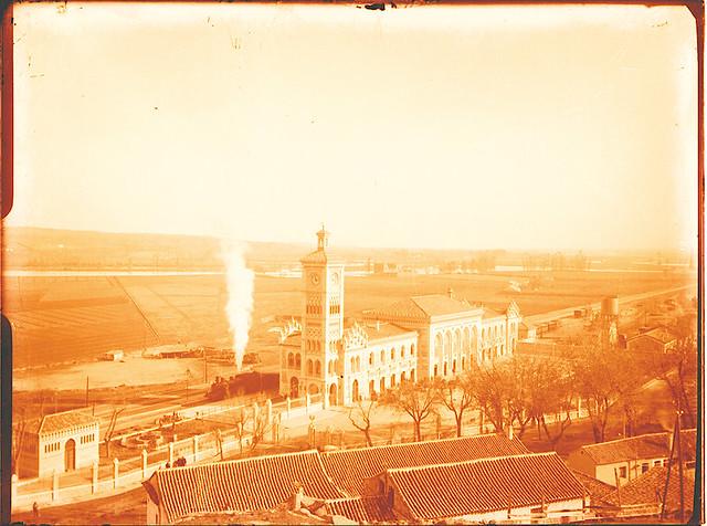Estación de Ferrocarril.   Fotografía de Pedro Román © Fondo Rodríguez. Archivo Histórico Provincial. JCCM. Signatura R-140-3-06