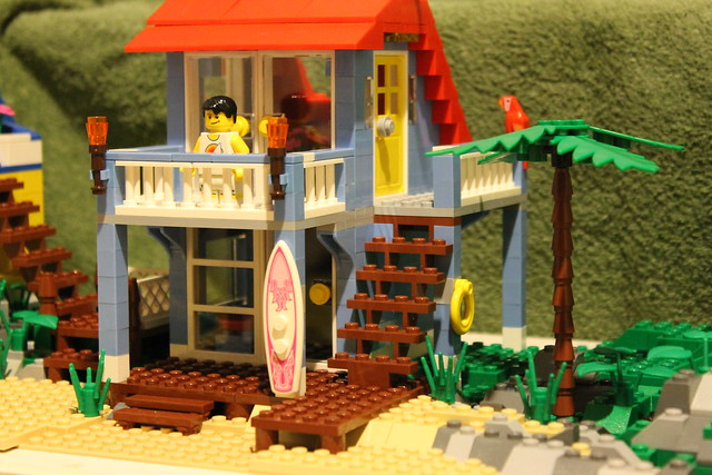 Lego beach house explore andy 39 s photos on flickr andy for Lego house original