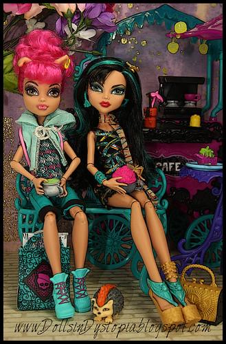 Shopping Break by DollsinDystopia