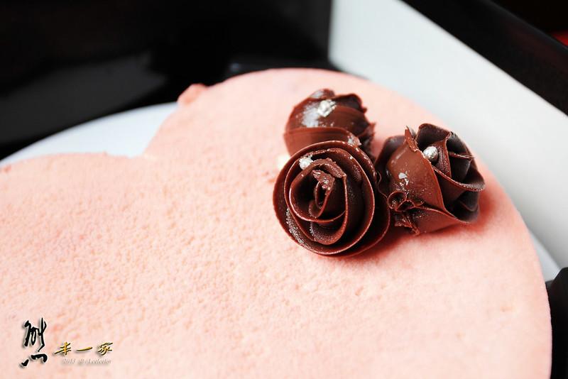 D2惡魔蛋糕新品|蔓越莓珠寶白巧克慕斯
