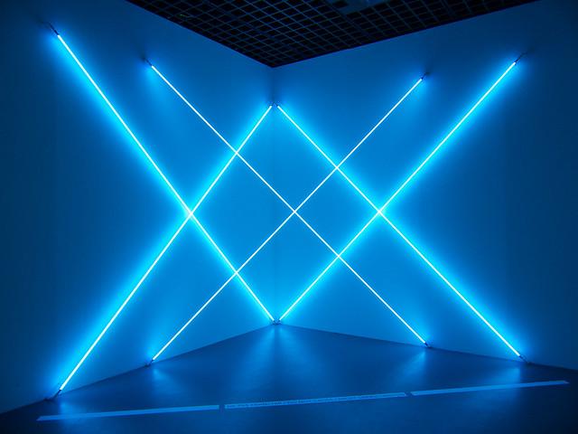 Dynamo un si cle de lumi re et de mouvement dans l 39 art 1 for Neon artiste contemporain