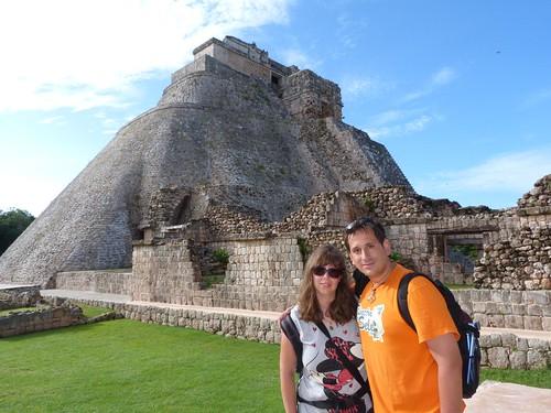 En la Pirámide del Adivino (Uxmal, México)