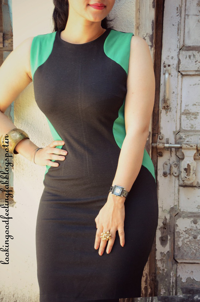 how to dress slimmer, panel dress