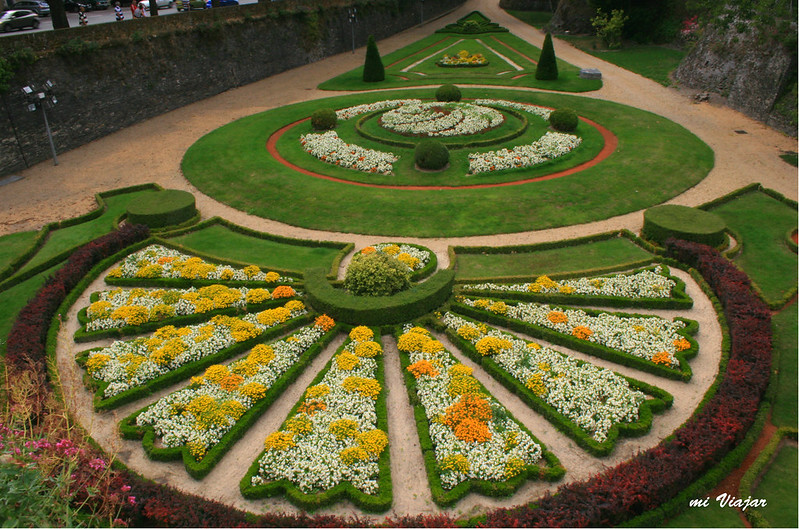 Jardin exterior del castillo de Angers