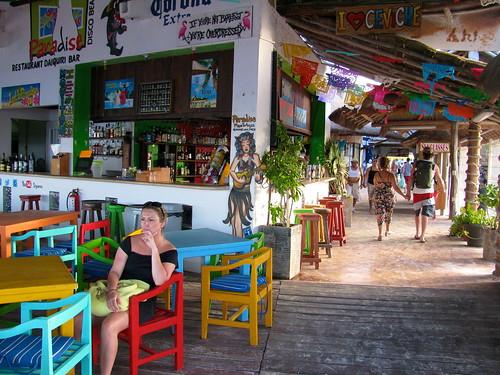 Bar en colores