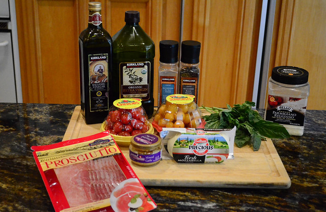 All the ingredients required to make Chicken Caprese.