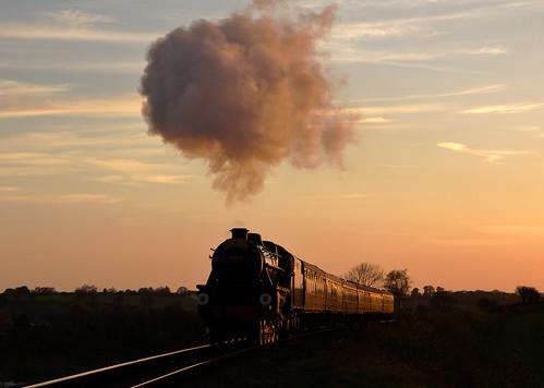 sunset rat steam 50 blackfive watercressline midhantsrailway glints midhants stanier explored black5 uksteam mhr realaletrain 45379 bishopssutton nightsteam