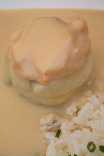 Nobre / Spazio Buondi - Camarões com molho de caril e favinhas de coentrada