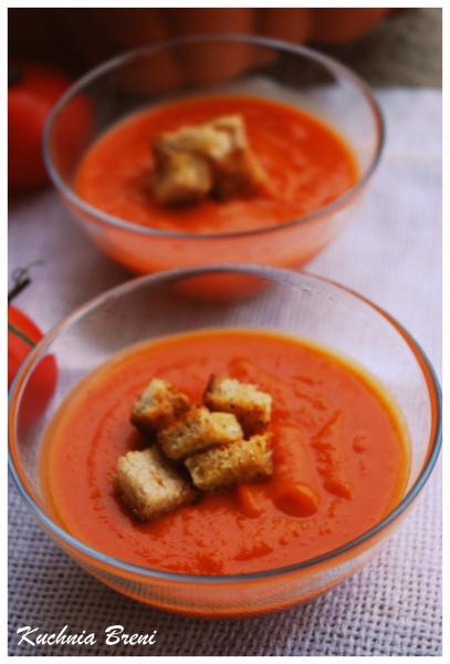 Zupa dyniowo-pomidorowa z pieczonym czosnkiem