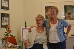 Ann-Marie Johansson, initiativtagare till verksamheten, och Mona Noreklint som nu blir ny samordnare för Förgätmigej. Foto: Susanne Boman