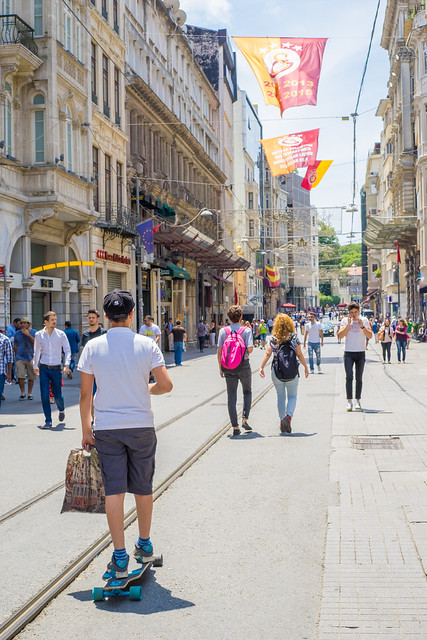 Travel with Skateboard on Street, Istanbul