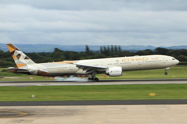 Etihad Boeing 777 A6-ETB