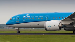 KLM 787-9 thundering down the runway on it's way to Osaka