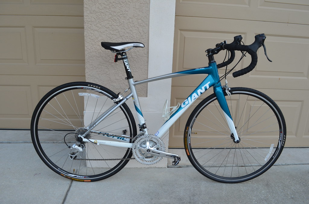2010 Giant Avail 3 avail3 road bike bicycle - tampa bike trader