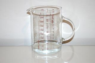 04 - Zutat lauwarmes Wasser / Ingredient lukewarm water