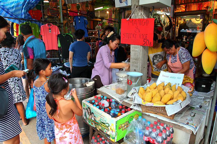 Mango-Sticky-Rice-Stall