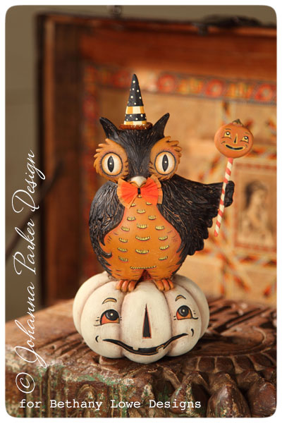 Perched-Owl-on-Pumpkin-Johanna-Parker