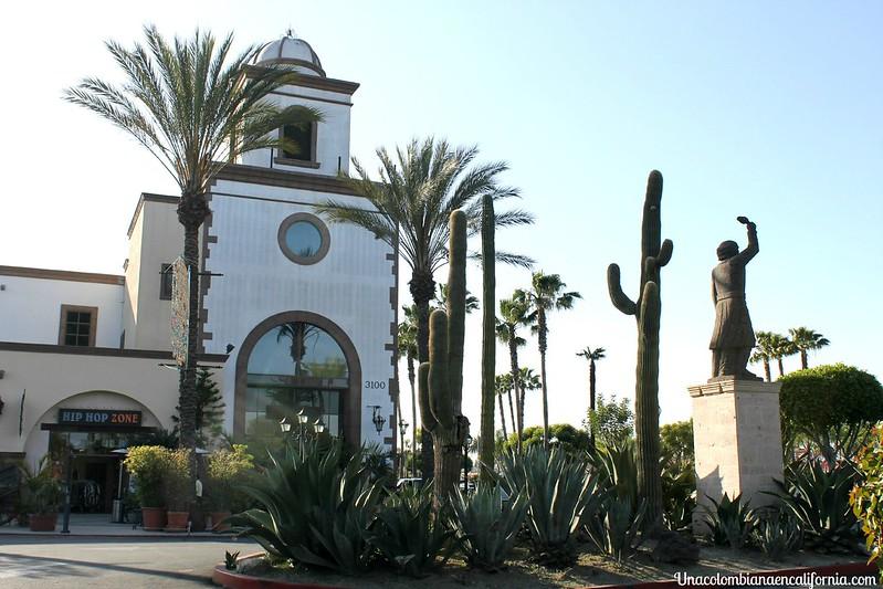 Plaza Mexico Lynwood