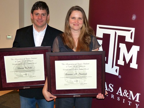 Two 2013 Distinguished Graduate Student Awards from ESSM