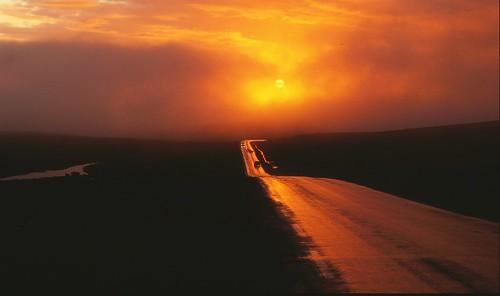 sunset sky cloud norway geotagged norge nikon norwegen scan explore scanned noruega nikkor slides dias canoscan topoftheworld nordnorge midnightsun finnmark northcape midnattsol nordkapp f801 magerøya lysbilde skarsvåg