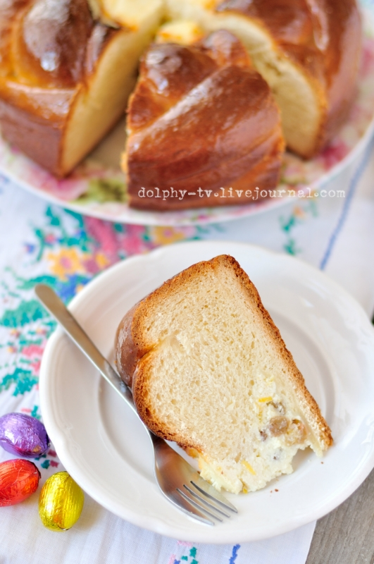 Easter Bread with Cottage Cheese Centre