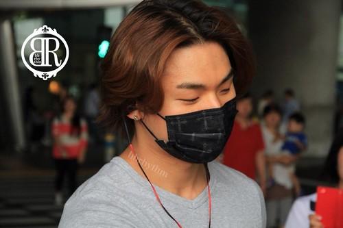 Daesung-Incheon-backfromShanghai-20140831(101)
