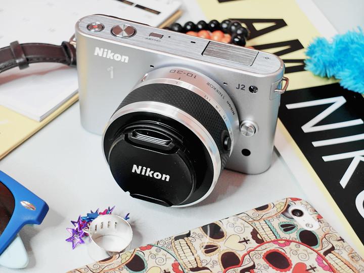nikon 1 J2 with lens cap