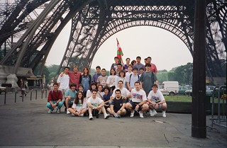 Eiffel dorrearen azpian