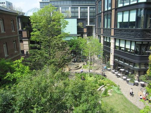 美術館から中庭を見下ろす・・・ by Poran111