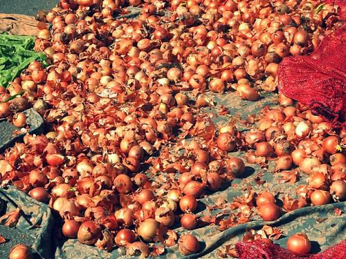 White onions, market in Inca, Mallorca