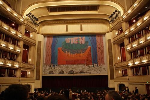 Wiener Staatsoper before La Bohéme