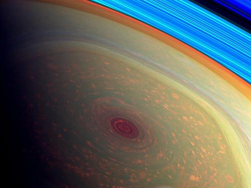 Saturno - vortice al polo nord infrarosso