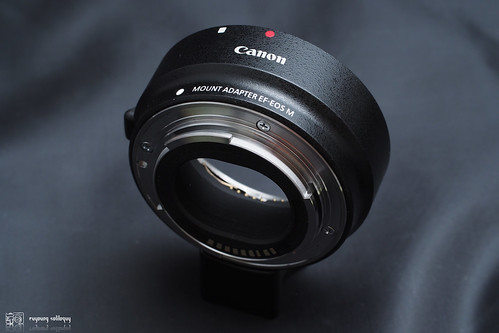 Canon_EOS_M_adaptor_02