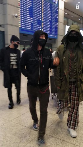 Big Bang - Incheon Airport - 10apr2015 - wktjrqnwk12 - 01