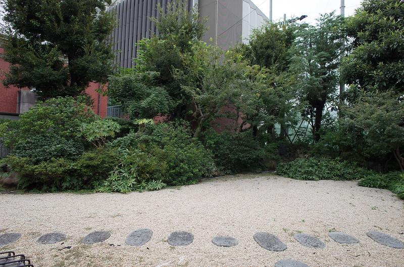 旧江戸川乱歩邸中庭