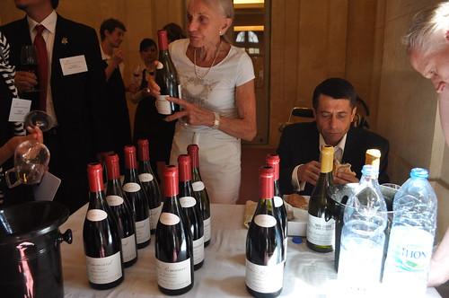 Lalou Bize-Leroy pours her wines at the La Renaissance des Appellations - Montréal tasting in Bordeaux.