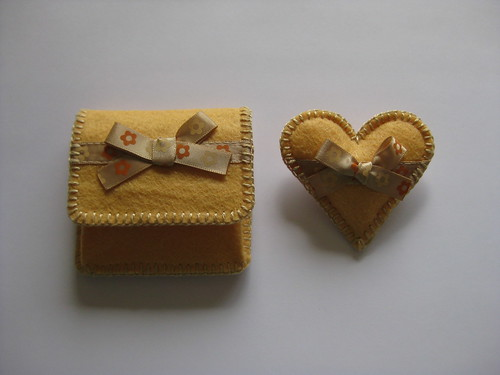 Coin Pouch & Brooch by ONE by one