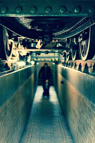 Under the locomotive / Pod lokomotivou