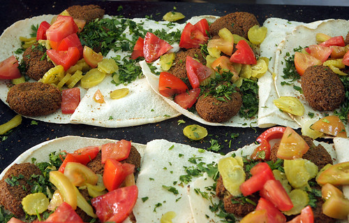 falafel with tomatoes