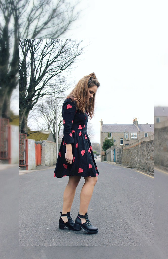 Sheinsideheartprintdress6