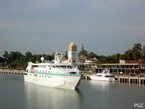 Tere Moana en Sevilla by Cruceros en Sevilla