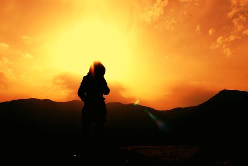 Quando si adora il sole [...] è duro andare dove il sole non brilla mai.   [John Galsworthy, Ancella] height=