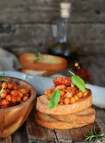 toast bread with chickpeas.4
