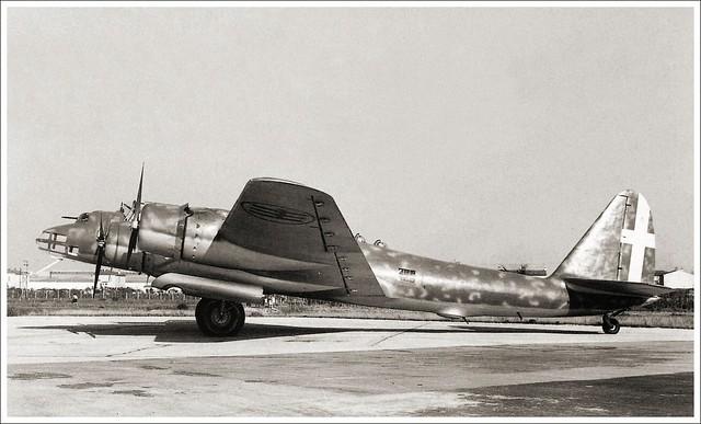 Piaggio P.108 Prototipo MM. 22001, Guidonia airfield 1940