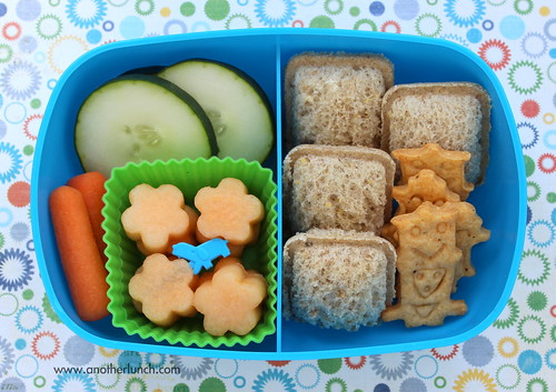 Sassy Box bento lunch - robot crackers and mini sandwiches
