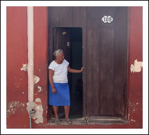 Trinidad- oma voor de deur by hans van egdom
