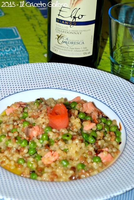 Fregola piccola risottata con cipolla, piselli e salmone (4)