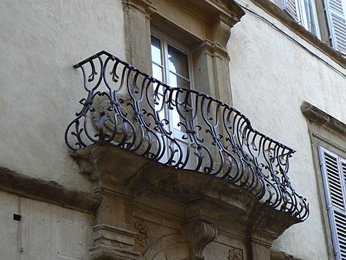 balcon ouvragé.jpg